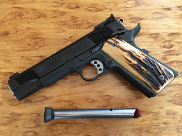 chinook revolver.jpg