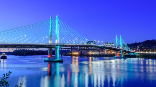tilikum crossing art lighting.jpg